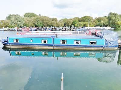 Aqualine Canterbury 65 x 11