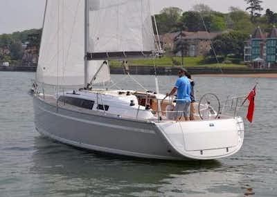 Bavaria Cruiser 34 - 2 Cabin -1 Helm