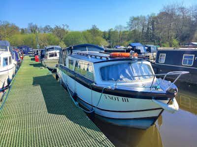 Motor Yacht Dawncraft 25 River Cruiser