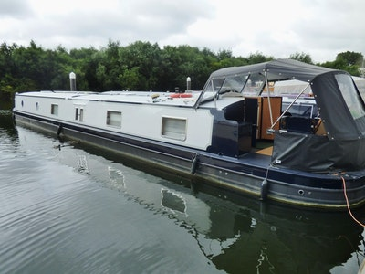 Viking Canal Boats 70' x 11' Widebeam Narrowboat