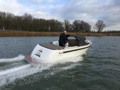 Maxima 620 Retro  - offered for sale by Tingdene Boat Sales