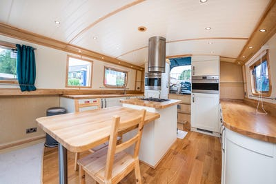 Wide Beam NarrowboatCollingwood Abode 70 x 12 03Fields of Gold - offered for sale by Tingdene Boat Sales