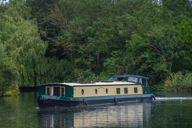 Wide Beam Narrowboat Collingwood Abode 70 x 12 03