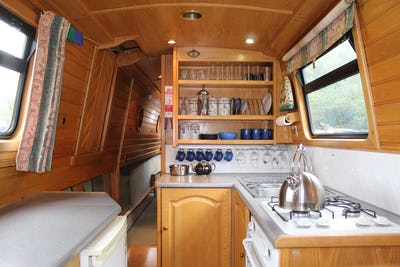 Narrowboat60' Warble / Johnathan WilsonMoonriver - offered for sale by Tingdene Boat Sales
