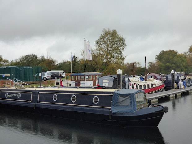 Narrowboat 57