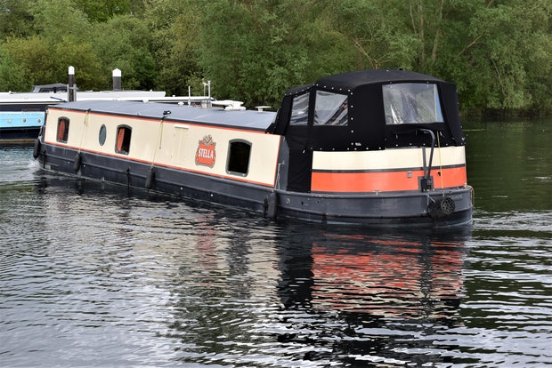 Wide Beam Narrowboat  Aqualine Canterbury 60 x 10