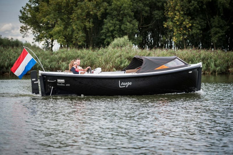 Maxima650 Lounge - offered for sale by Tingdene Boat Sales