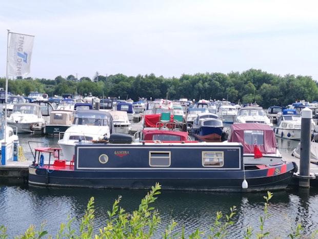 Narrowboat Dalecraft 35