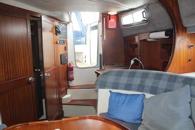 Sealine285 AmbassadorDream Chaser - offered for sale by Tingdene Boat Sales