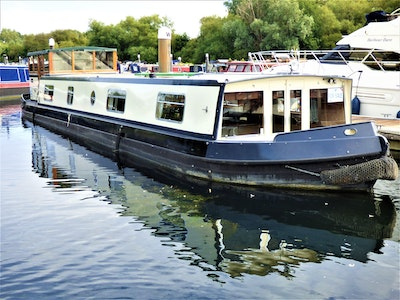 Wide Beam Narrowboat 58' x 11' Wheelhouse
