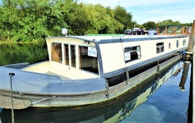 Wide Beam Narrowboat 58' x 11' Wheelhouse