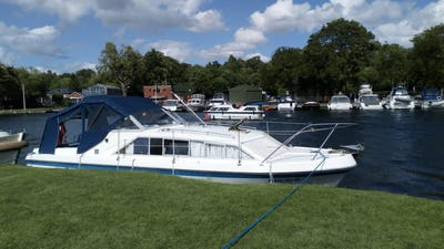 Elysian27Final Fling - offered for sale by Tingdene Boat Sales