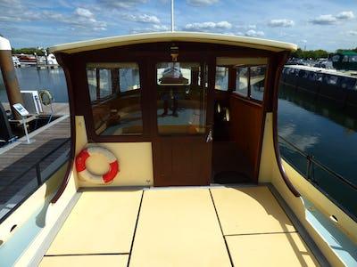 BargeDutch Motor TjalkHoop Doet Leven - offered for sale by Tingdene Boat Sales