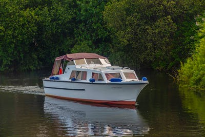 Elysian27Dawn Light - offered for sale by Tingdene Boat Sales