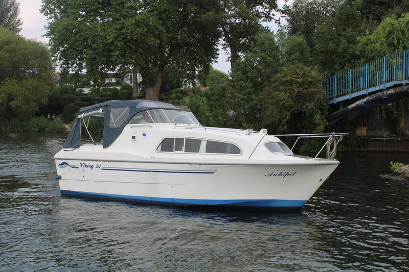 Viking24 WIDE BEAMARCHIPEL - offered for sale by Tingdene Boat Sales