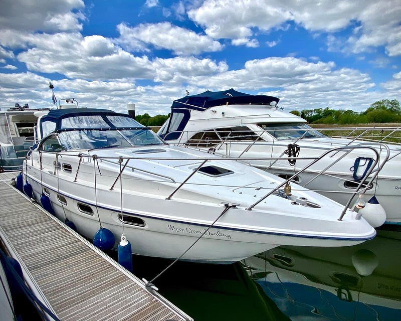 Sealine S37 Sports Cruiser Move Over Darling - offered for sale by Tingdene Boat Sales