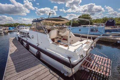FairlineMirage 29Lady Stoat  - offered for sale by Tingdene Boat Sales