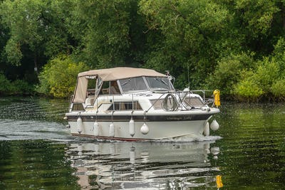 FairlineMirage 29 Aft CabinChampagne Lady - offered for sale by Tingdene Boat Sales