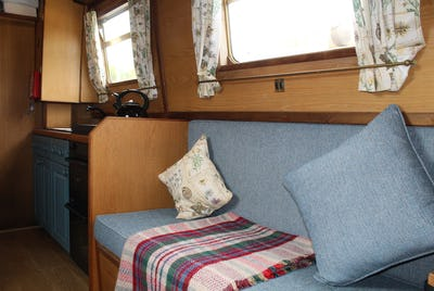 Narrowboat38' Semi Trad Dave ClarkeRatty's Retreat - offered for sale by Tingdene Boat Sales