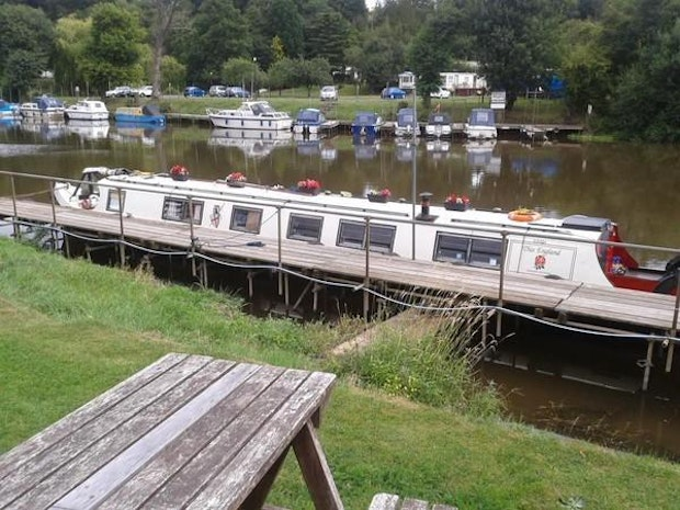 Narrowboat Cruiser Stern