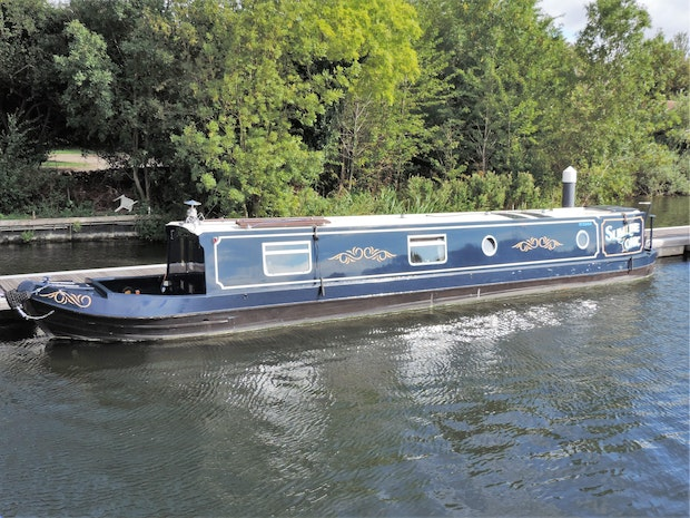 Narrowboat Modern Trad