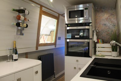 Narrowboat Sol Seeker Sol Seeker - offered for sale by Tingdene Boat Sales