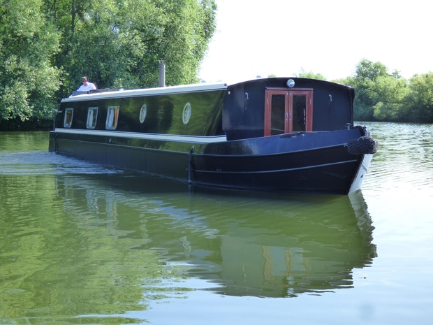 Barge Collingwood 57 x 10 Widebeam