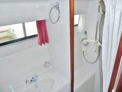 BroomOcean 34Oceans 11  - offered for sale by Tingdene Boat Sales
