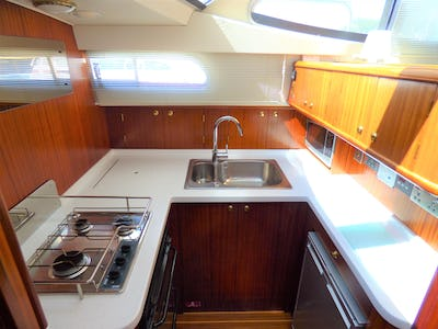 Broom35clUnnamed  - offered for sale by Tingdene Boat Sales