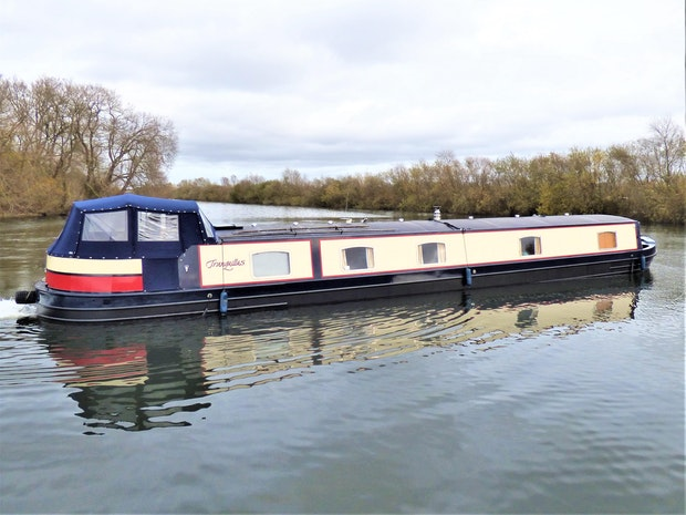 Wide Beam Narrowboat Aqualine Canterbury 65 x 12