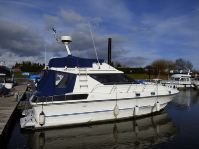 Birchwood TS33 Flybridge