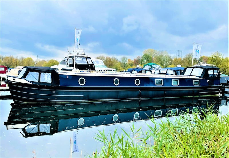 Wide Beam NarrowboatColecraft 66x10 04  2 BedroomNew boat - offered for sale by Tingdene Boat Sales
