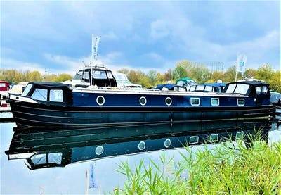 Wide Beam Narrowboat Colecraft 66x10 04  2 Bedroom New boat - offered for sale by Tingdene Boat Sales