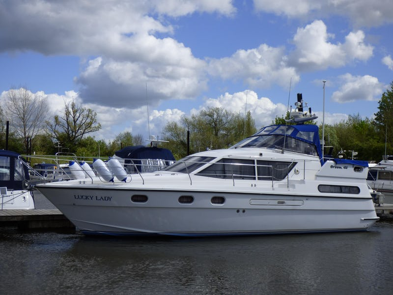 Broom41Lucky Lady - offered for sale by Tingdene Boat Sales