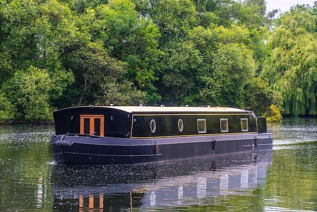 Wide Beam Narrowboat Colingwood 60 x 12 06 Sailaway