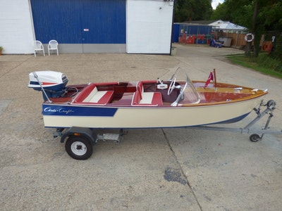 Chris-Craft Barracuda