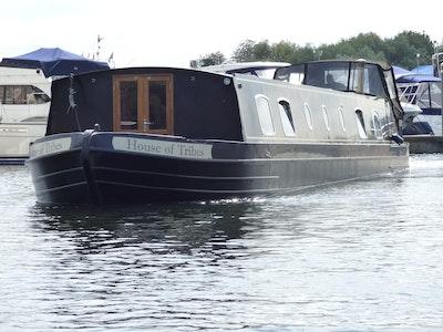 Aqualine 64' x 11' Metrofloat Henley